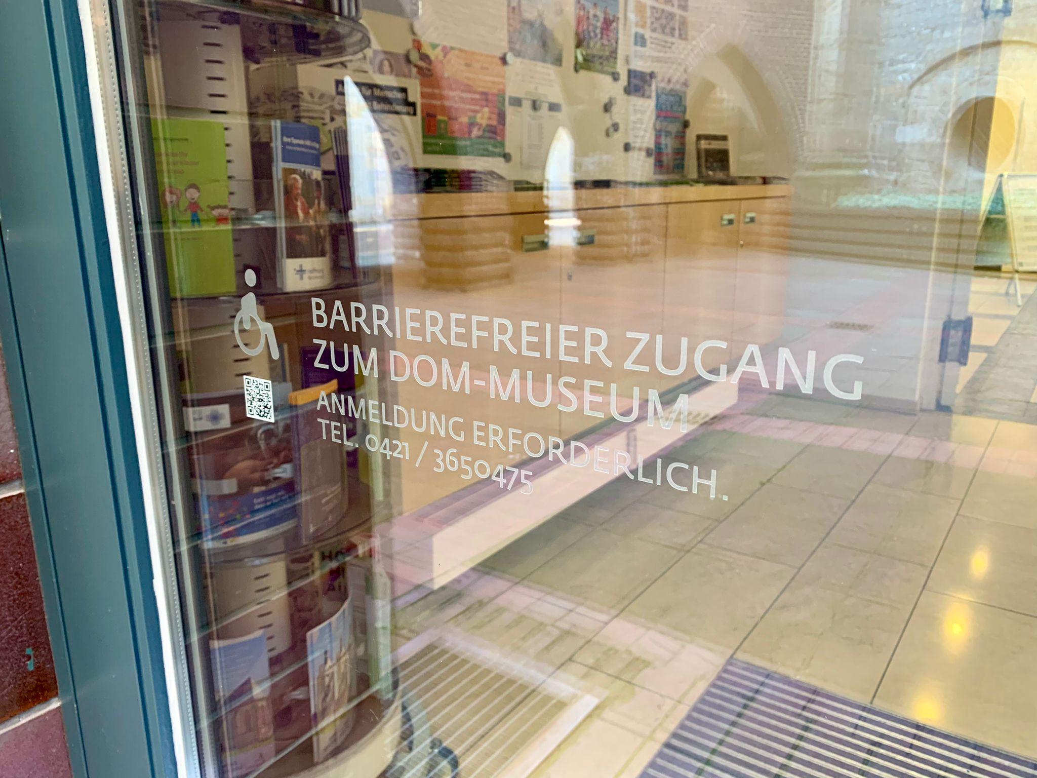 Mit dem Rollstuhl ins Dom-Museum Bremen